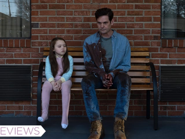Netflix's The Haunting of Hill House Is a Deeply Disturbing Modern Ghost Story