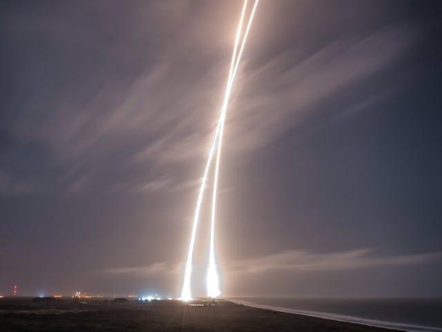 Las mejores photosías del Falcon 9 y su aterrizaje histórico