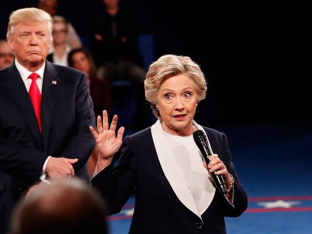 """Hillary Clinton über die zweite Präsidentschaftsdebatte: Trump """"hat mir buchstäblich den Hals geblasen"""""""