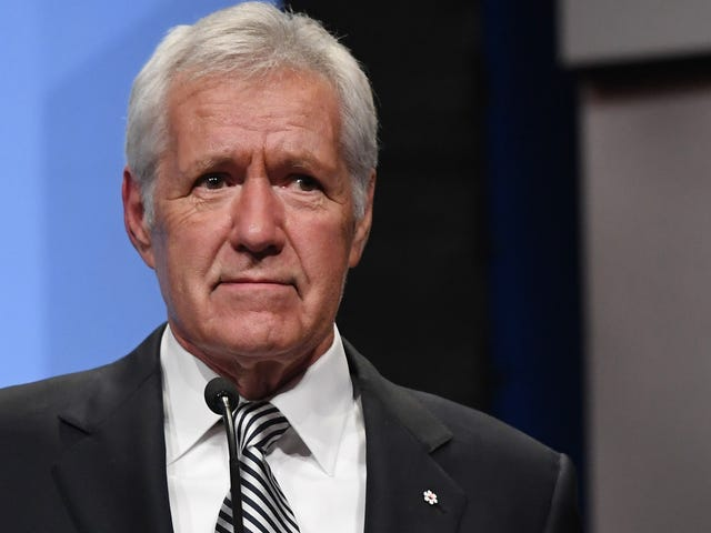Jeopardy! contestant sacrifices final round for sweet tribute to Alex Trebek