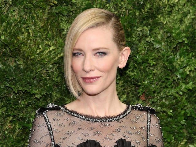 Cate Blanchett déclare que les conversations sur le genre à Hollywood sont comme le <i>Groundhog Day</i>