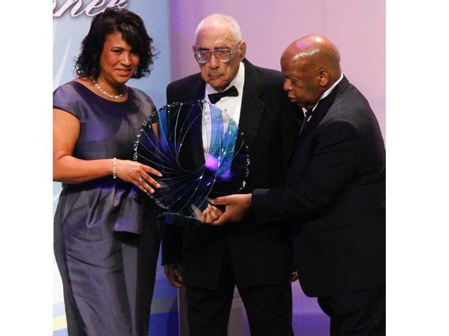Le journaliste pionnier des droits civils Simeon Booker décède à 99 ans