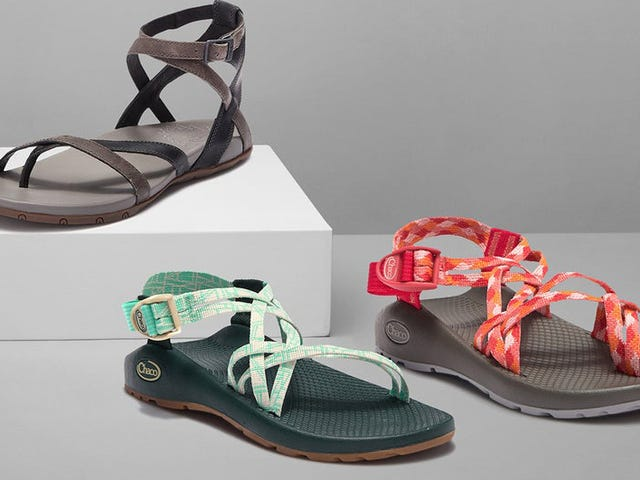 "<a href=https://kinjadeals.theinventory.com/strap-on-a-pair-of-trendy-chacos-now-on-sale-at-hautel-1835691877&xid=17259,15700022,15700186,15700190,15700256,15700259,15700262 data-id="""" onclick=""window.ga('send', 'event', 'Permalink page click', 'Permalink page click - post header', 'standard');"">Indossare un paio di Chacos alla moda, ora in vendita su HauteLook</a>"