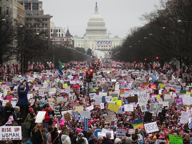 Kvinnans mars tillkännager kvinnokonventionen, en aktivistsamling i Detroit