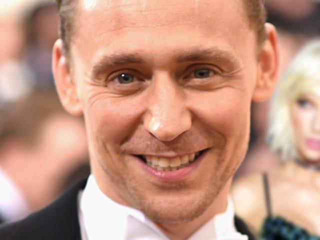 Tom Hiddleston mener, han vil vinde en Emmy næste uge, men han er sikker på, at helvede ikke vil takke Taylor Swift