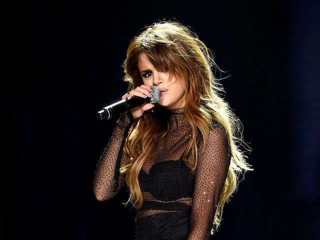 Selena Gomez tar litt tid til å ta vare på seg selv