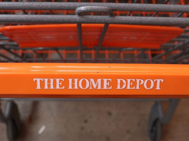 Home Depot Ιδρυτής υποστηρίζει τον Donald Trump