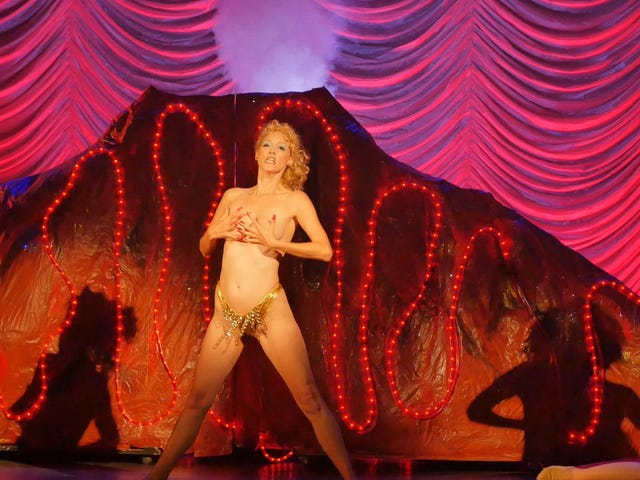 You Don't Nomi spotlights the cult of Showgirls, and how a big flop became a midnight sensation