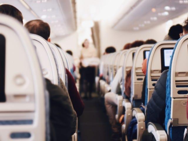 Cómo reservar asientos 'bloqueados' en vuelos de avión
