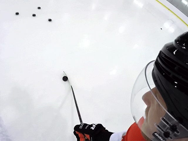 Eine First-Person-Ansicht von Hockey-Tricks zu sehen, ist so verdammt cool