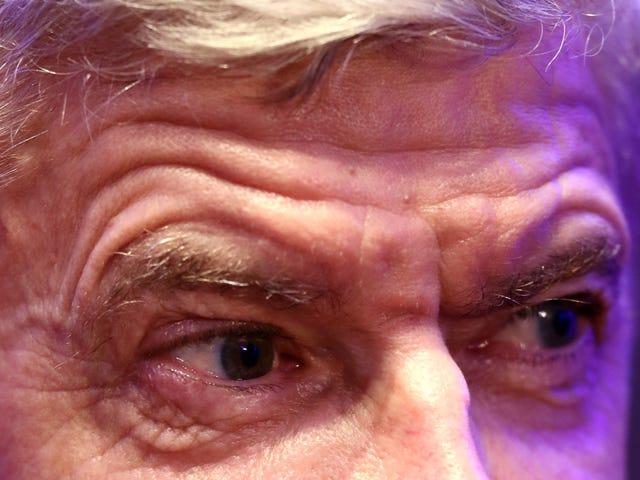 Arsène Wenger voi näyttää isoisaltasi, mutta hän vilunvät kuin kollegion fuksi