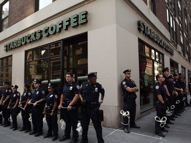 Starbucks Apologizes for Making Cops Leave Because Customer 'Did Not Feel Safe'