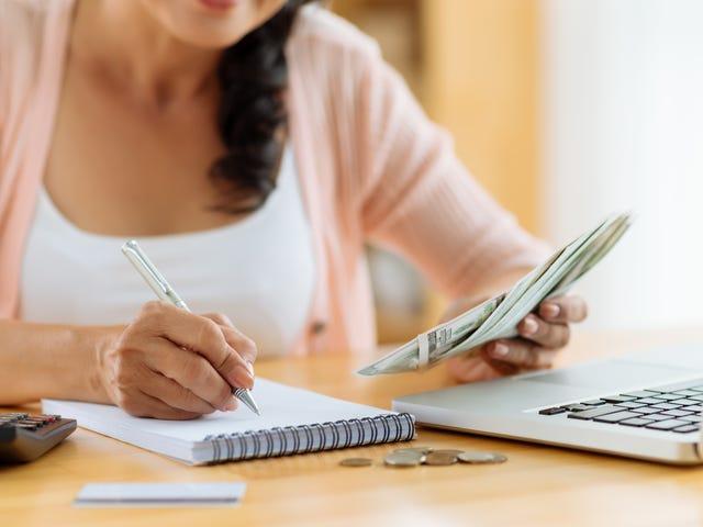 Bạn nên tập trung vào việc cắt giảm chi phí hoặc tăng thu nhập của bạn?