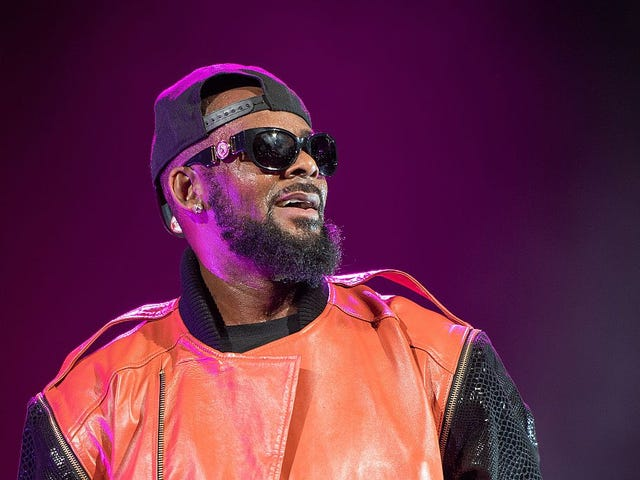 I Don't Know How to Convince R. Kelly Fans That They Should Give a Shit About Black Girls
