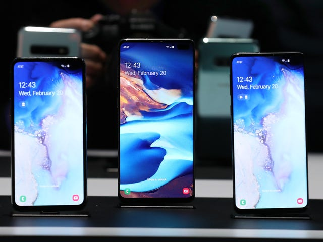 Samsung's Galaxy S10+ Has the Fastest 4G Speeds (for Now)