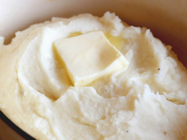 You Can Freeze and Reheat Mashed Potatoes for Thanksgiving