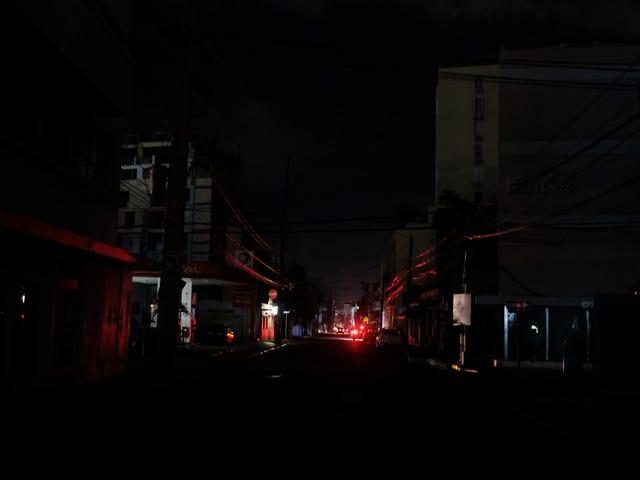 Et jordskjelv på 6,4 har slått ut strømmen for hele Puerto Rico