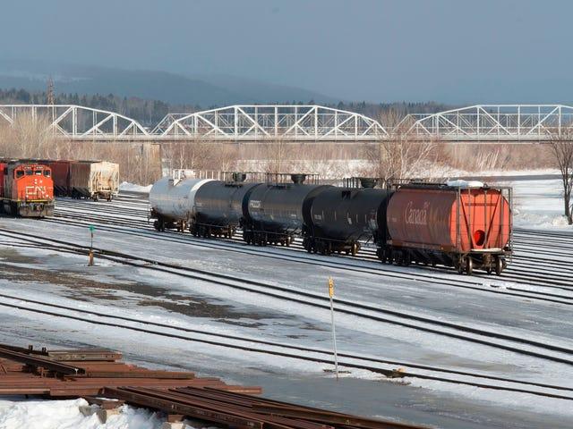 Une manifestation pipelinière canadienne ferme son service ferroviaire à travers le pays