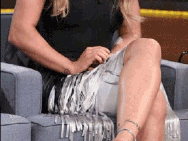 Ronda Rousey s'excuse pour avoir publié une image photoshopped qui a rendu ses bras plus minces