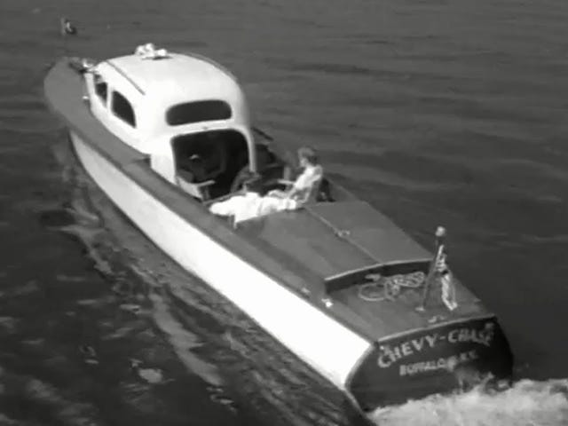 Chevroboat