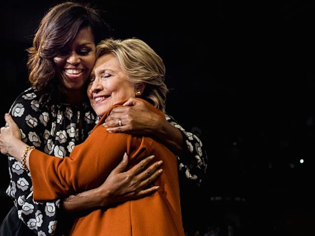 Η Μισέλ Ομπάμα μιλάει πλήθος στη Φιλαδέλφεια, «Αυτή η εκλογή είναι για εμάς»