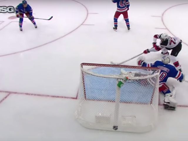 Si Mikhail Maltsev Deking Alexandar Georgiev en el olvido no te excita por el hockey, no sé qué lo hará
