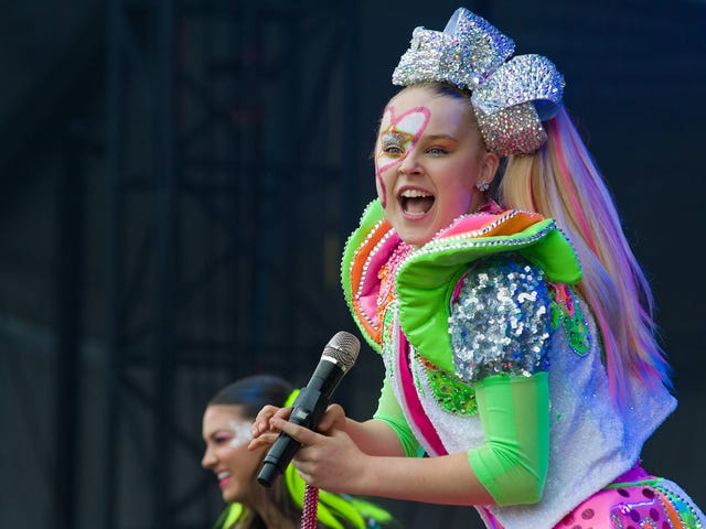 JoJo Siwa Is the Master of the Universe