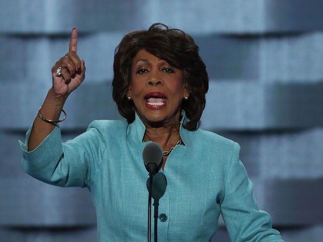 你的终极阿姨,众议员马克辛沃特斯,如果你坚持在特朗普身上采取'顽强的立场'