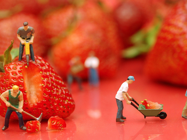 健康的な食事はより小さな部分ではなく、より大きな部分を持つべきです