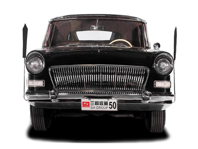 Пара восхитительных лимузинов Hong Qi станет первым китайским автомобилем, который будет представлен на Pebble Beach