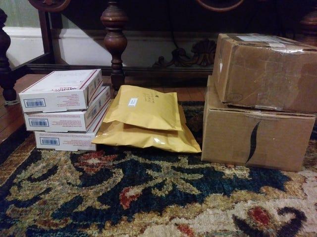 Abpacken von Postkäufen