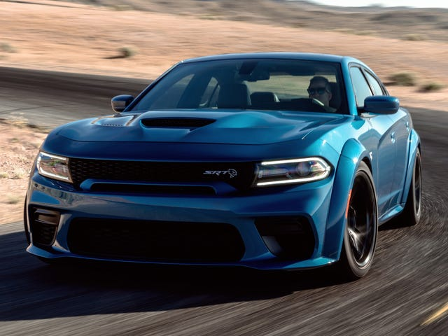 Ang Dodge Charger SRT Hellcat Widebody Narito Narito Sa Fender Flares at 707 HP