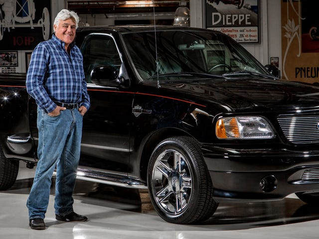 Jay Leno成为第一辆F-150 Harley Davidson的二手卡车销售员