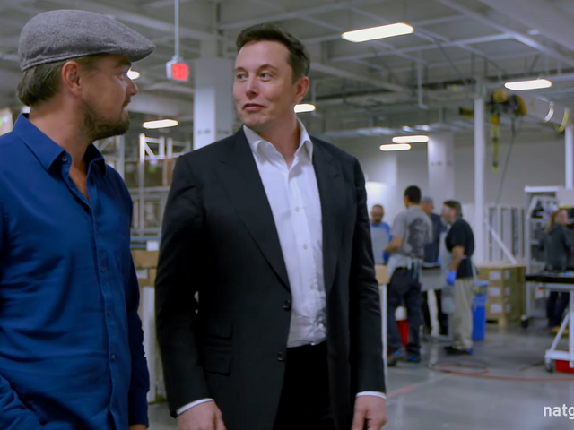 Elon Musk Says 100 Gigafactories Is 'Manageable'