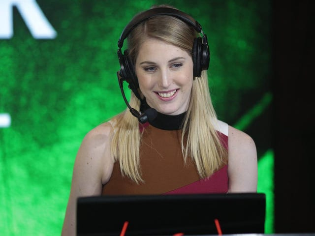 After Cancer Diagnosis,Dota 2 Commentator Returns To The Game Between Chemo Sessions