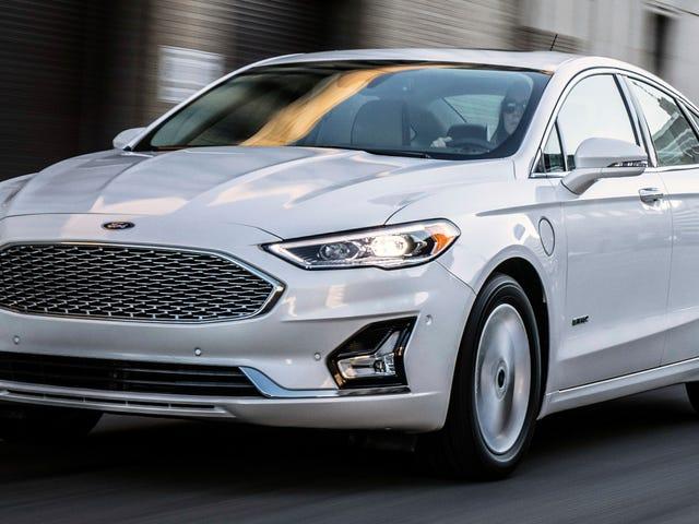 Ford og GM's beslutning om at forlade små biler koster dem allerede