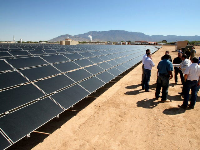 New Mexico verabschiedet Landmark Clean Energy Bill, aber einige Stammesgruppen fühlen sich ausgeschlossen