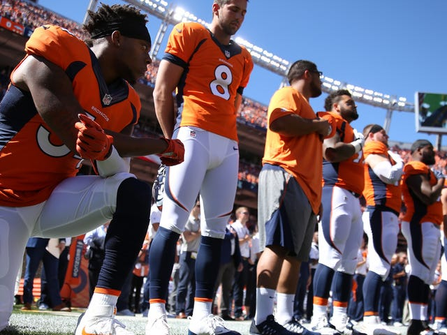 NFL-protesterna är en perfekt studie av hur vit överlägsenhet fungerar
