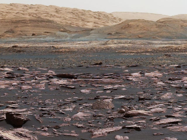 Curiosity Has Discovered Something That Raises More Questions About Life on Mars