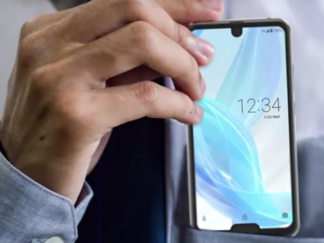 Sharp gör en Dual-Notch Smartphone för alla Dö-Hard Notch-Heads ute