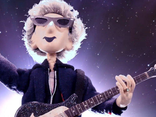 Doctor WhoFans (and Captain Kirk) Bid Farewell to Peter Capaldi in This Touching Video