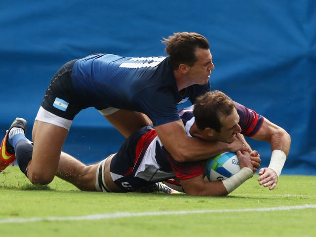 Bei den Rugby-Spielen von Rio gibt es einige schöne zarte Berührungen