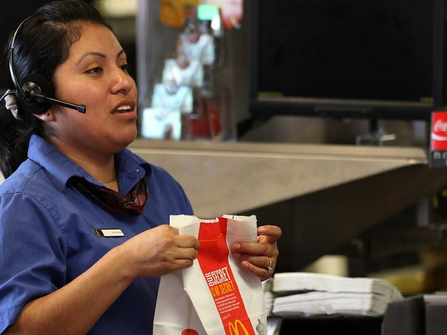 Fast-food workers can now be paid same-day via apps