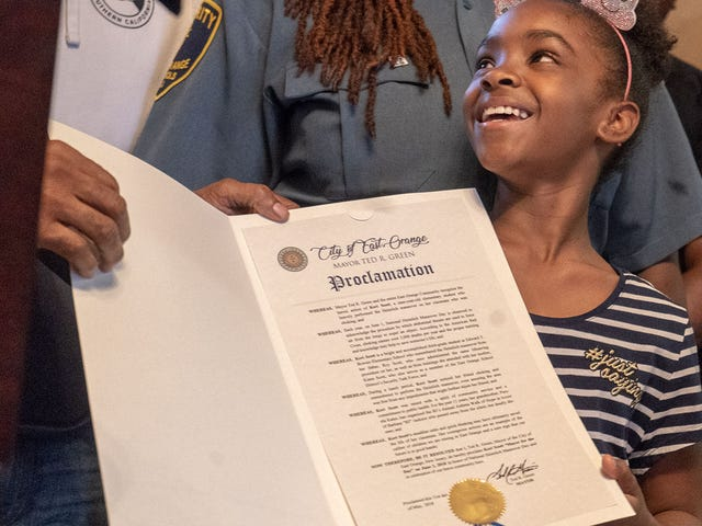 New Jersey 3rd-Grader Becomes Mayor for a Day After Saving Friend From Choking by Using Heimlich Maneuver