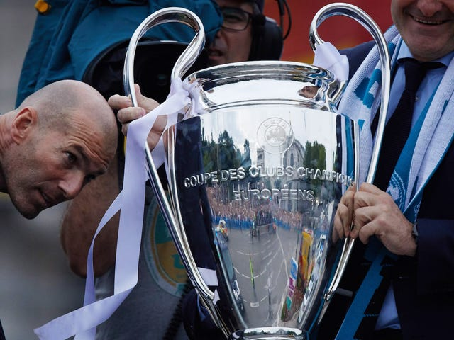 지네딘 지단, 완벽한 레알 마드리드 감독, 완벽한 스타일을 남겼습니다.