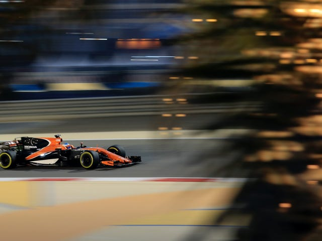 McLaren Puzzled โดยทำหน้าที่รถสูตรหนึ่ง