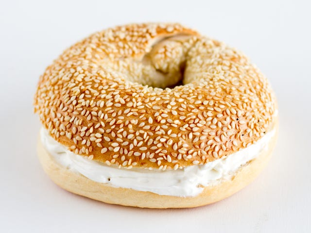 Apple will add cream cheese to previously pathetic bagel emoji