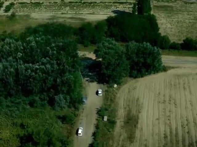 Drone met en scène une nouvelle barrière frontalière massive entre la Hongrie et la Serbie