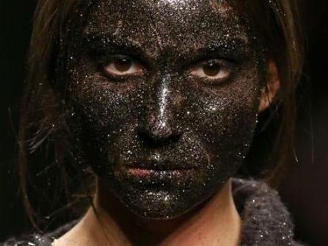 Glitrende Blackface-modeller Spark Backlash ved Milan Fashion Week