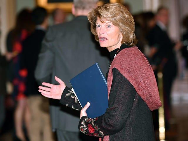 I tuoi senatori preferiti indossavano alcune brutte mode sulla passerella dell'Impeachment
